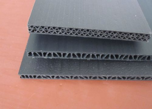 Plastic hollow board